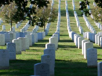 washington_dc_014_arlington_cemetery_headstones_rows_big